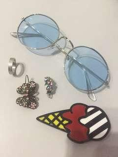 Colour glasses, ring, hairclip