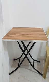 Folding table (Negotiable)