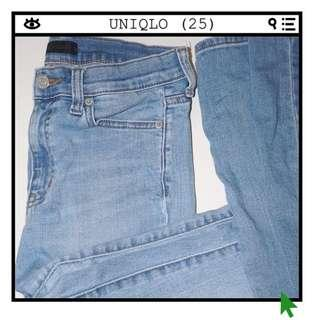 *Great Condition* UNIQLO High-waisted Skinny Jeans Women Size 25 (Can also fit 26)