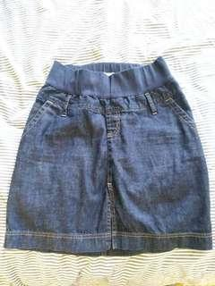 Maternity jean skirt, Gap