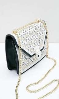 Martha sling bag