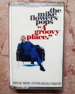 Kaset Pita The Mike Flowers Pops - A Groovy Place 📼 New/Sealed