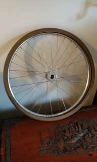 Fixie front wheel and tire for fixie 90% new