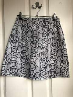 BNWT Missguided snake A line skirt (green) size 8