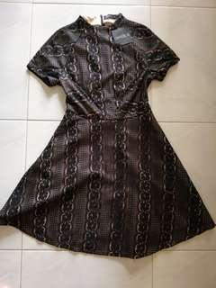 🚚 BNWT Ohvola black lace dress - non sheer