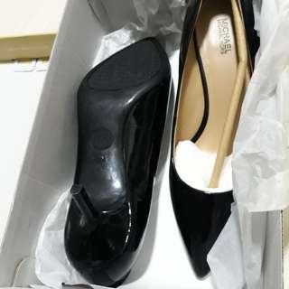 b74a7b62 Michael Kors flex kitten heel pump shoe