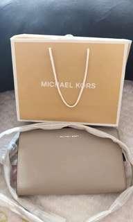 Michael kors jet set travel crossbody clutch leather