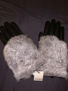 Danier Fur + Leather Gloves