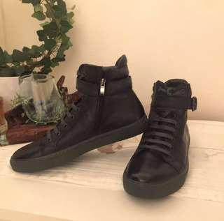 Steve Madden Kygo high cut shoe