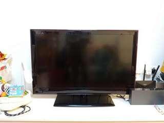 LG 37寸液晶電視,運作良好(型號37LE5500)(無遙控器)