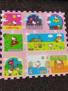 Hello Kitty puzzle mat