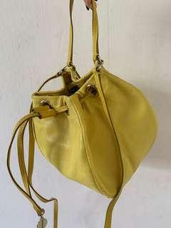 Marc by Marc Jacobs Bucket Sling Leather Bag Athentic