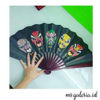 Premium Hardcover Beijing opera Painting Folding Fans , Kipas Lipat Lukis