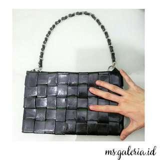 Chain Black Hand Bag