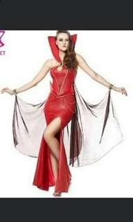 Red Queen/Vampire costume