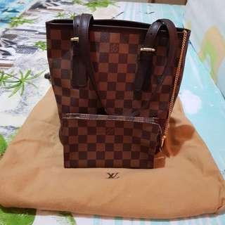 LV Bucket Damier pm with pouch
