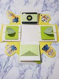 🚚 小小兵-爆炸卡片禮物盒