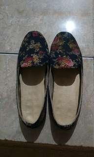 Sepatu flip on