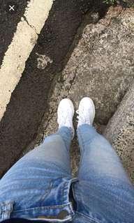 高腰下鬚牛仔褲