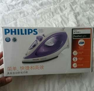 Philips Steam Iron + Iron board