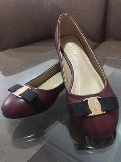 NEW Authentic Parisian Red Shoes Size 9