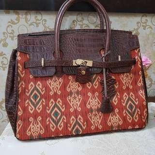 tas etnik motif batik