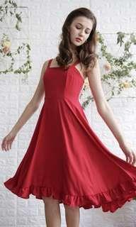 🚚 BNWT TTR Lea ruffles hem dress