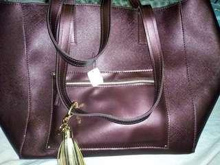 US burgundy bag