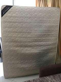 "Queen size spring mattress 8"" thick (20cm)"