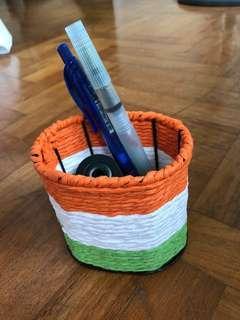 🚚 Pen holder