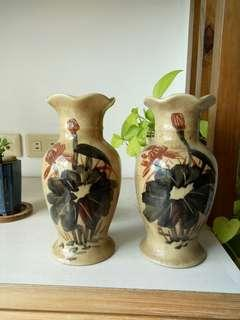 🚚 早期老花瓶收藏品一對