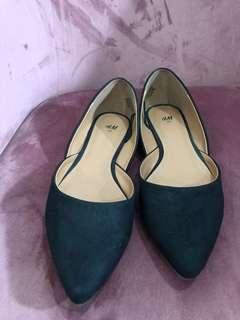 H&M Pointed Toe Suede Flats