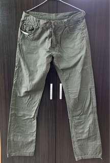 🚚 軍綠色 休閒長褲