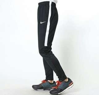 Nike acedemy original
