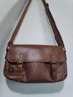 Three-box sling bag