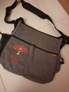 🚚 Diaper bag