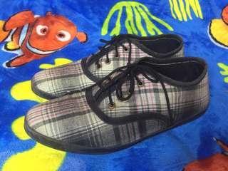 Sepatu kimberlys