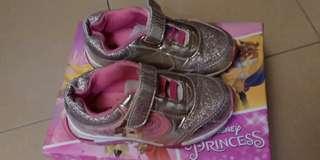 Sepatu anak Perempuan merek Disney original ada lampu