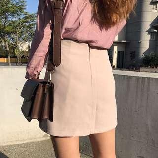 🚚 0208 Otoshi 必敗 杏色 斜邊 短裙(內有安全褲)