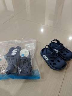 🚚 Toddler / boy slipper / shoes for 2 years old 16cm