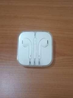 [$6] iPhone Earpods Oem