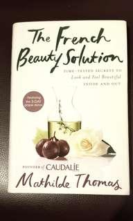 近乎全新由Caudalie始創人寫The French Beauty of Solution