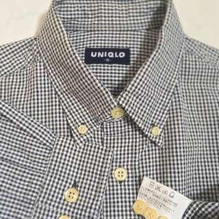Uniqlo Button Down Gingham Long Sleeve Shirt