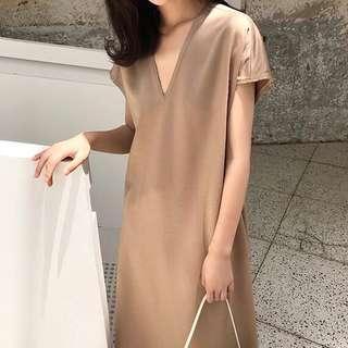 🚚 Satin V-neck Dress