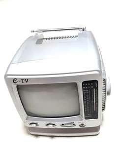 Vintage 60s Black & White Portable TV with Radio (e-TV, 5.5 inch, jv-502R)