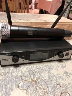 🚚 Wireless Microphone