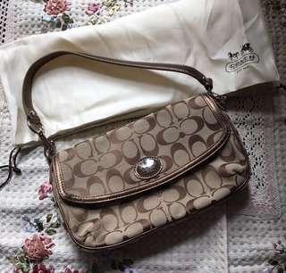 包郵 ❣️ $1980 ➡️ $300 Coach Handbag 手袋