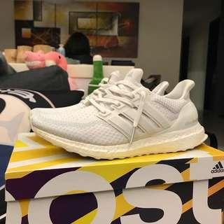 🚚 Ultra boost 2.0 triple white AQ5929
