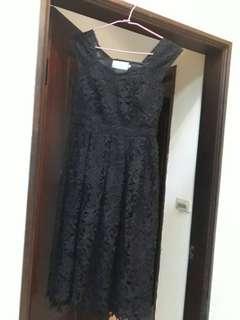 《賠本清衣櫃》黑色無袖輕熟短洋裝