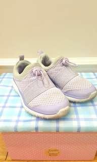 Sepatu anak Mark& Spencer